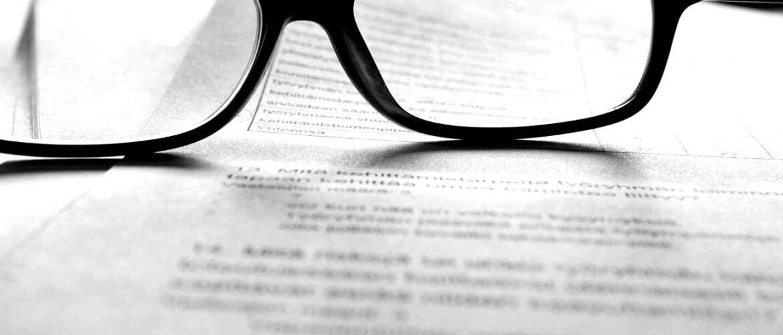 lunettes posées sur une term sheet